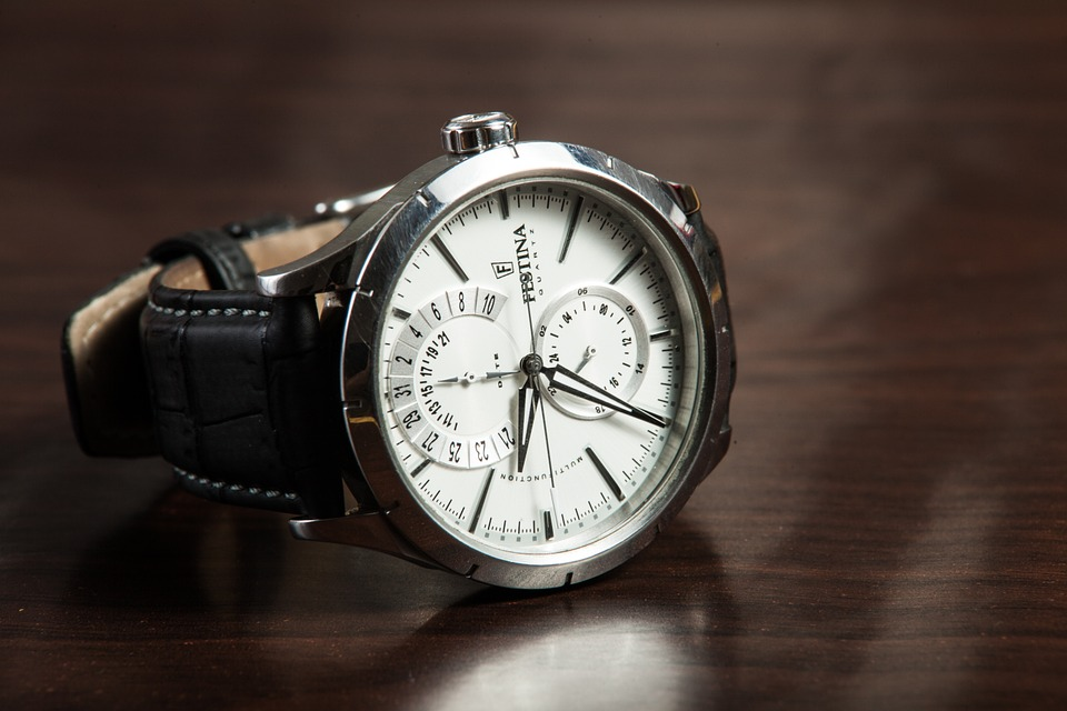 wristwatch-407096_960_720